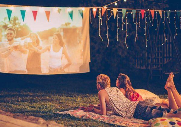 Installer un écran géant dans son jardin - Cinéma en plein air à ...