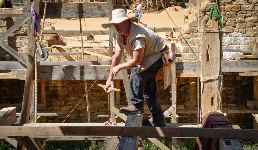 La construction du futur pont levis