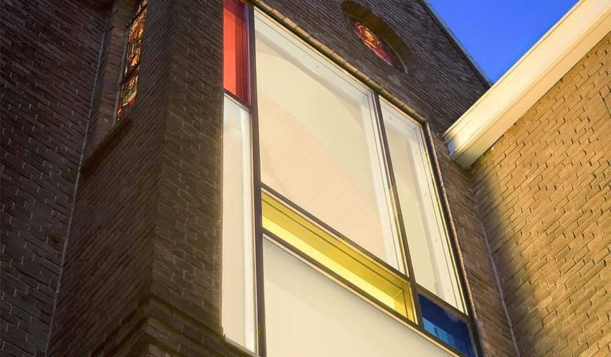 Fenêtre inspirée du peintre Mondrian