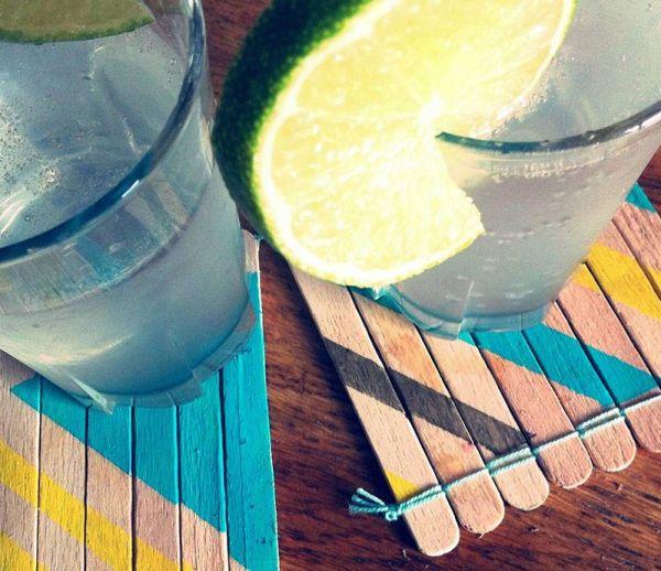 DIY : fabriquez des sous-verres avec des bâtonnets de glaces