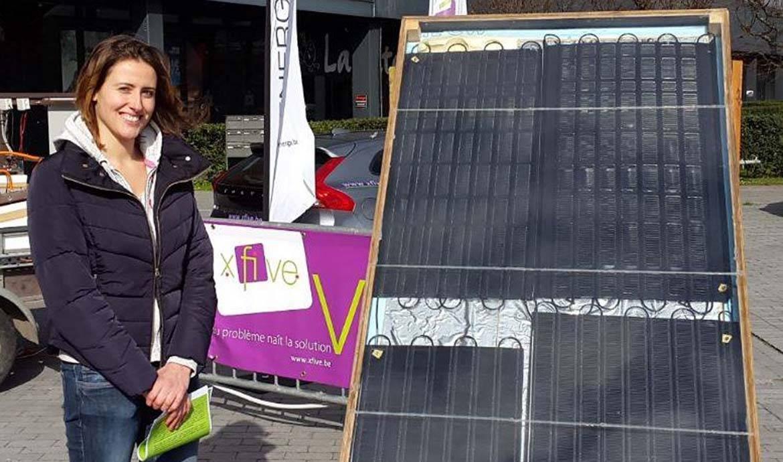 Une jeune Belge invente un chauffe-eau solaire en matériaux de récupération