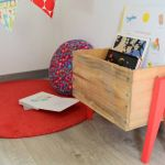 Fabriquez un bac à livres pour vos enfants à partir d'une caisse de vin