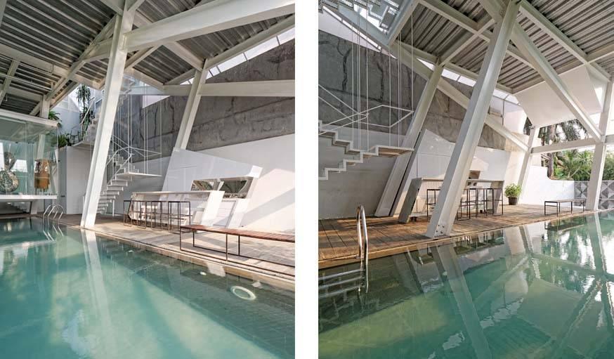 une large piscine intérieur