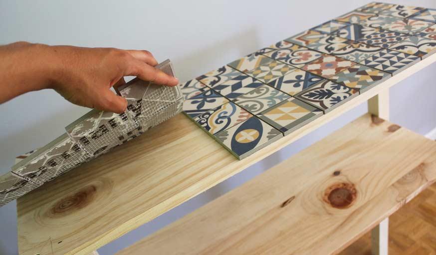 DIY Carreau de ciment - Fabrique un meuble console facilement - 18h39.fr