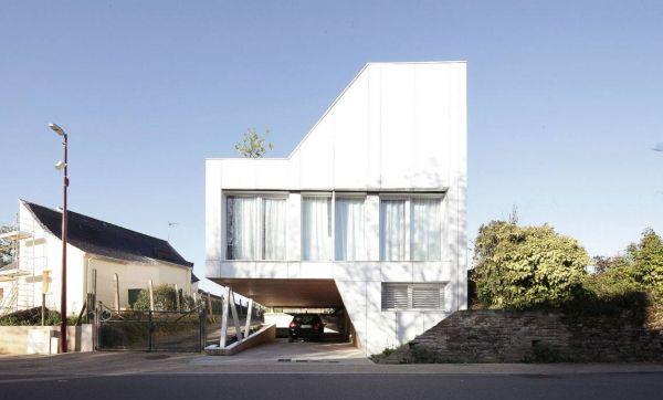 Découvrez cette superbe maison construite avec des conteneurs