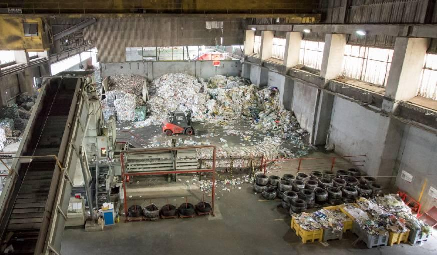 Chaque jour, 100 tonnes d'emballages transitent par le centre de tri.