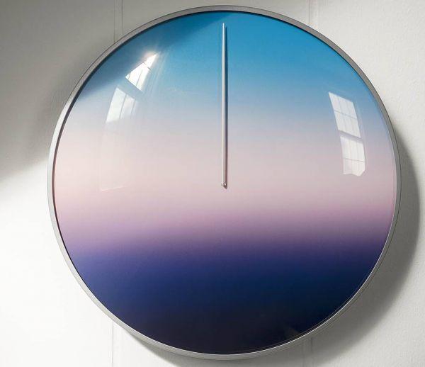Cette incroyable horloge de 24 heures vous invite à prendre le temps