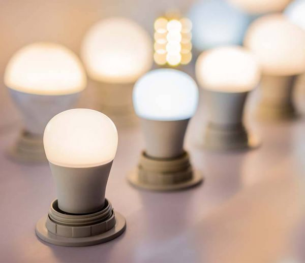 Bleue, blanche, jaune : quelle lumière pour être bien chez soi ?