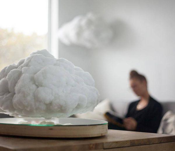 Un nuage plus vrai que nature, en lévitation dans le salon