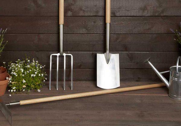 Nettoyer ses outils de jardin avant l\'hiver - Entretenir ses ...