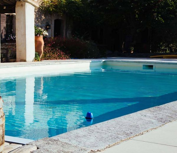 Une piscine entretenue même pendant votre absence