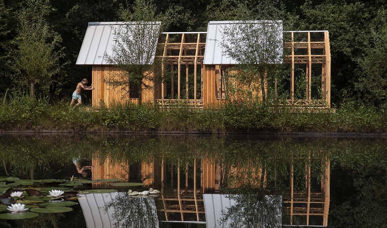 Une cabane de jardin en bois et verre un abri de jardin - La fascinante maison de verre h house aux pays bas ...