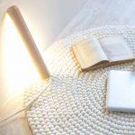 Fabriquer une lampe à poser qui illuminera votre intérieur en douceur.