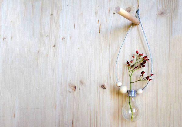 diy vase-ampoule - fabriquez un soliflore pour une déco minimaliste