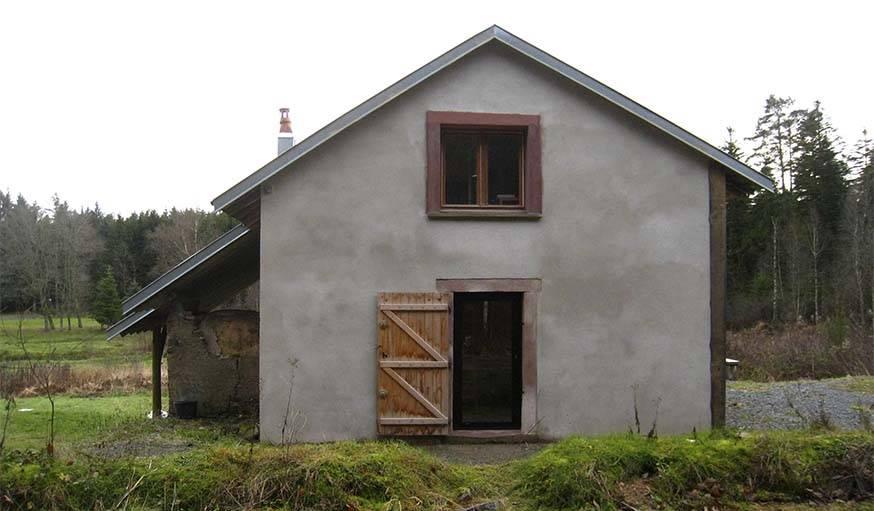 La même façade, avec le crépi.