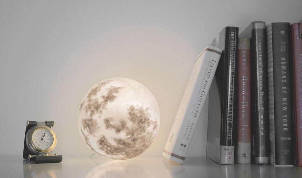 Lampe lune.