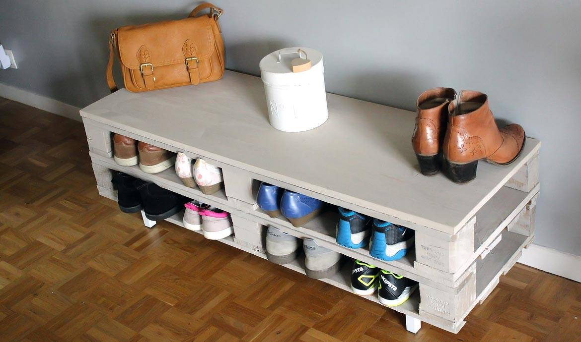 diy un meuble en palette tr s pratique id al comme rangement chaussures. Black Bedroom Furniture Sets. Home Design Ideas