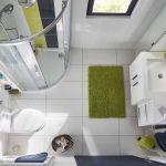 Salle de bains équipée avec le meuble COOKE & LEWIS Meltem.