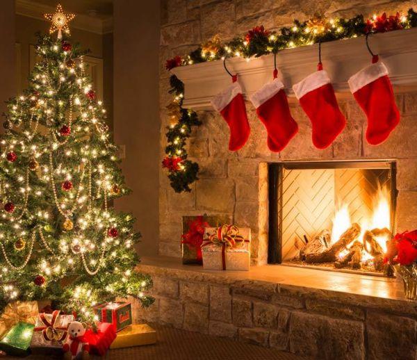 Noël aux USA : pour un bon feu de cheminée, tout le monde allume sa télé