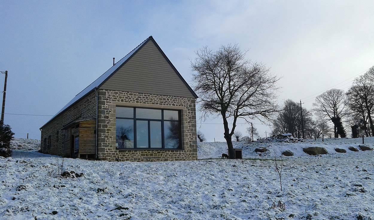 Transformation Grange En Habitation Rt 2012 avant / après : une maison passive bâtie à partir d'une
