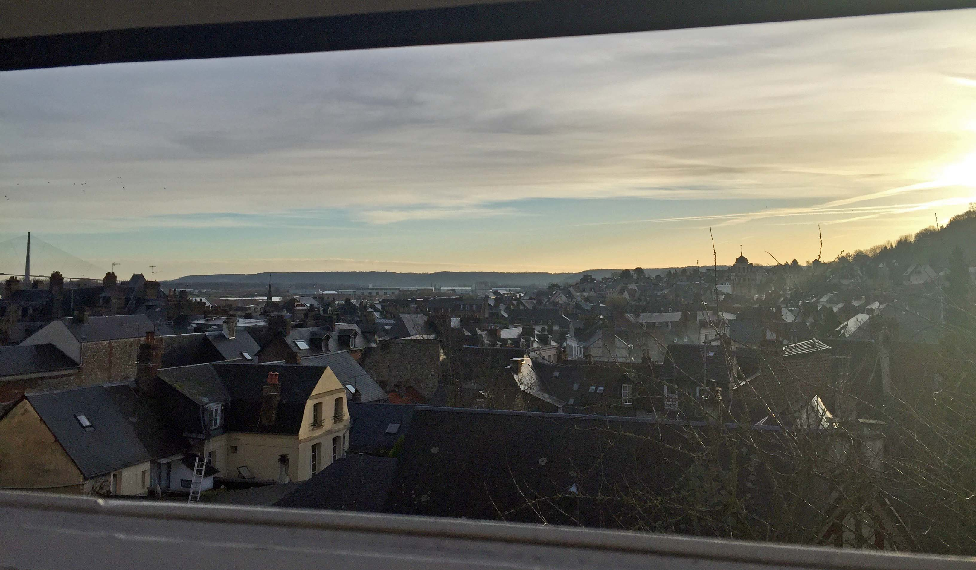 Le soleil du matin à Honfleur (Calvados), le 9 janvier.