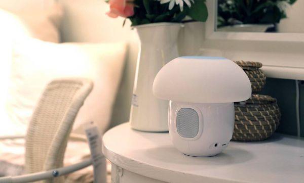 Romi : Une étonnante lampe connectée en forme de champignon