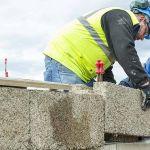 Construire une maison avec des briques de chanvre emboitables est désormais possible.