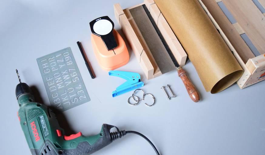 Diy fabriquer un calendrier perp tuel avec une cagette en bois un calendrier perp tuel - Calendrier lunaire coupe bois ...