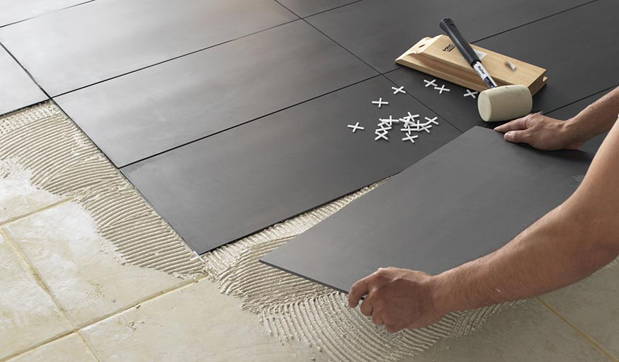 Comment changer son sol sans ragr age parquet dalle de for Dalle adhesive sur carrelage