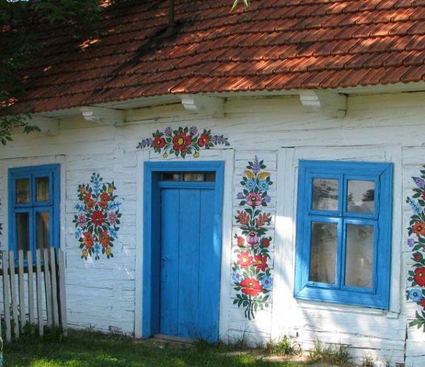 Zalipie, le village polonais peint de mille fleurs