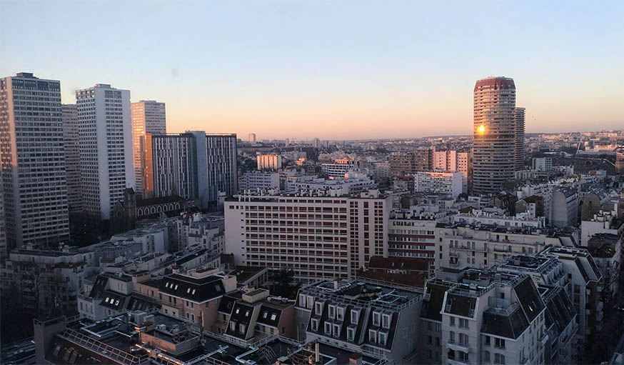 Paris 13ème (dalle des Olympiades), vue du 18ème étage, vers 9h du matin.