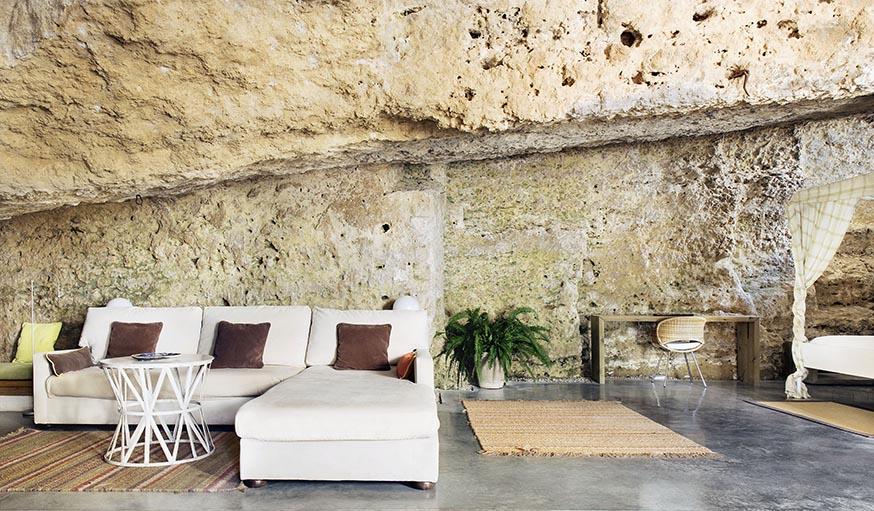 Une maison troglodyte minimaliste et branch e vivre dans for Vivre minimaliste