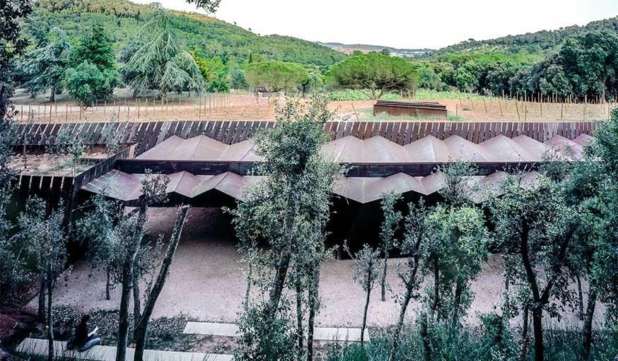 Le chai Bell-Lloc (2007) à Palamos, en Espagne.
