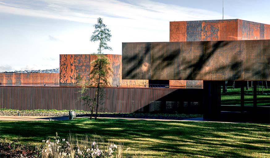 Musée Soulages (2014) à Rodez, en France, réalisé par l'agence RCR.