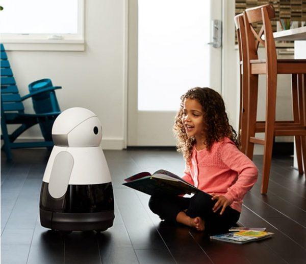 Robots compagnons : simples jouets ou super nounous pour vos enfants ?