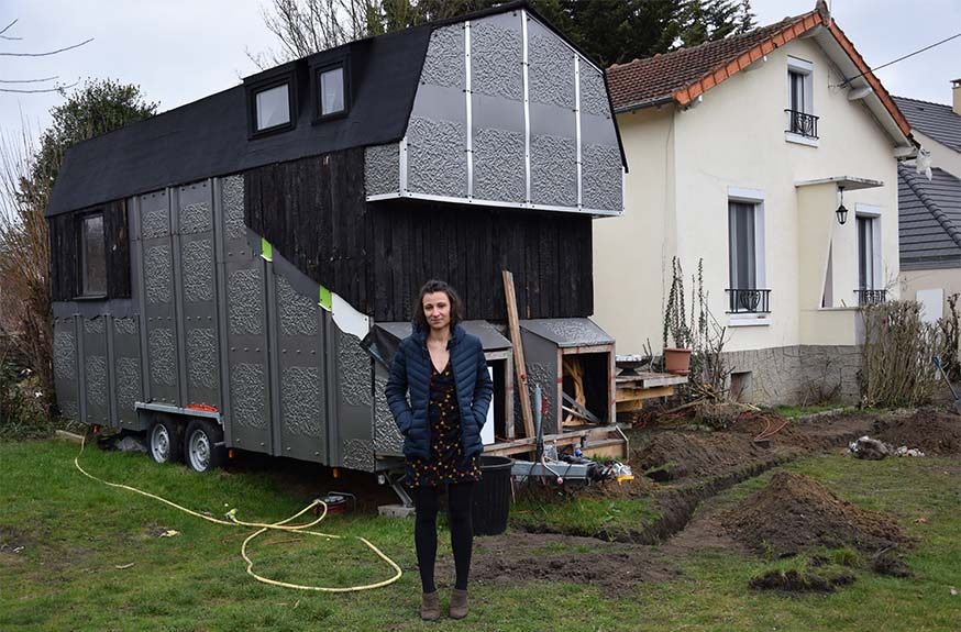 Construire sa tiny house elle a b ti sa mini maison pour for Construire sa tiny house