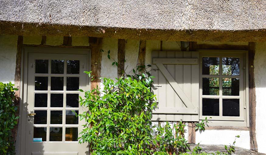 Chaumi re moderne visitez cette maison typique de for Architecture traditionnelle scandinave