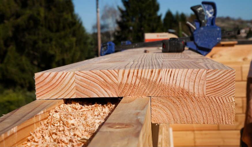 Brikawood une maison passive en kit avec des briques de for Isolation copeaux de bois