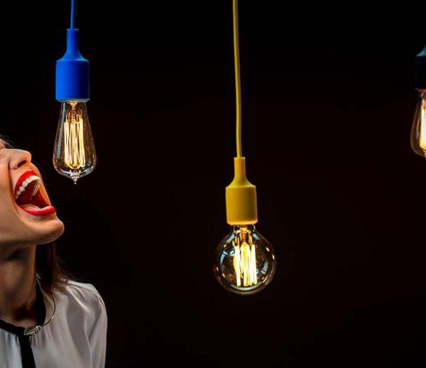 Le saviez-vous : vous disputer à côté d'une ampoule augmente vos factures d'électricité
