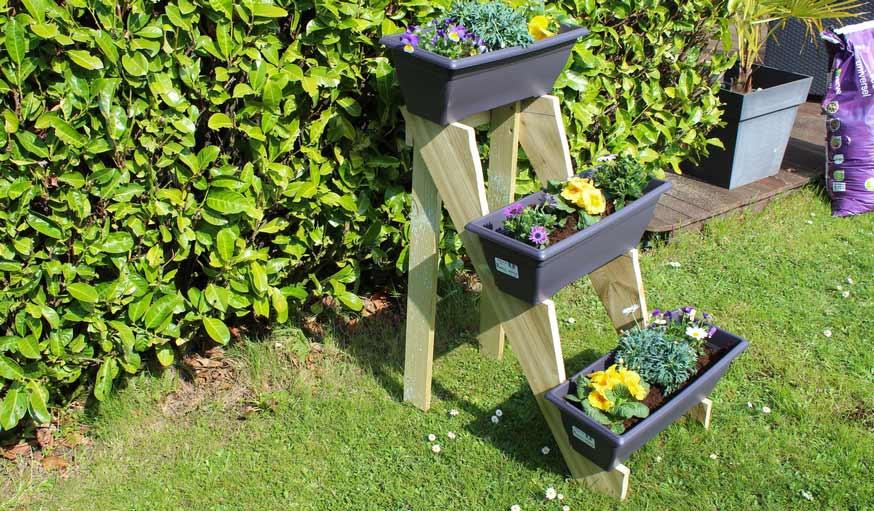 fabriquer une jardini re en hauteur ensemble de jardini res en bois en diy. Black Bedroom Furniture Sets. Home Design Ideas