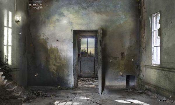 Elle transforme en œuvres d'art des bâtiments abandonnés
