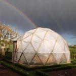 Le dôme géodésique construit par Morgane et sa famille.