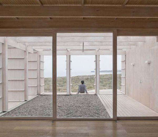 La maison aux 72 portes : ouvertes, elles permettent d'observer le paysage à 360 degrés