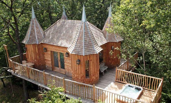 Les Châteaux dans les Arbres, des cabanes en bois qui font rêver