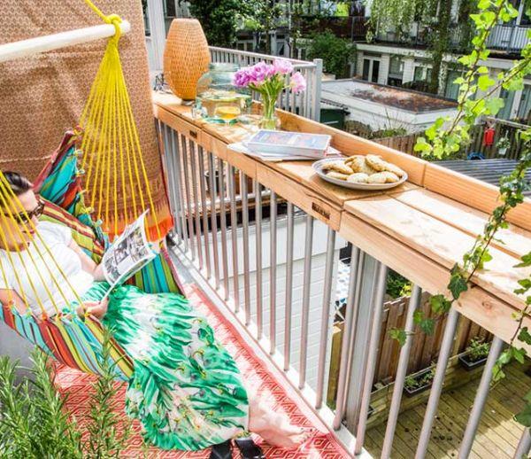 21 idées pour profiter de son balcon entre amis, en famille, en couple ou en solo