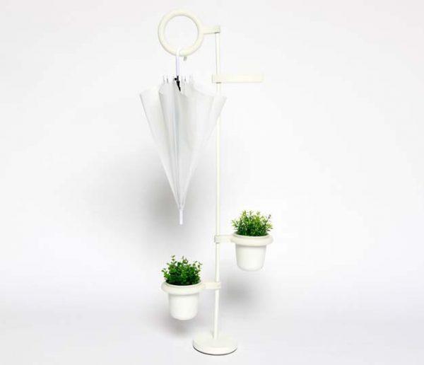 L'objet malin : le sèche-parapluie qui arrose vos plantes