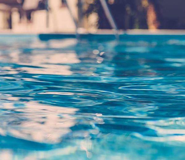 8 conseils pour bien entretenir votre piscine