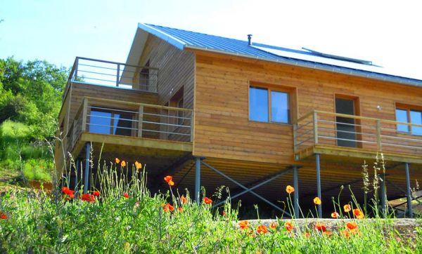 Connaissez-vous les fondations en pieux vissés pour des maisons plus écolos ?