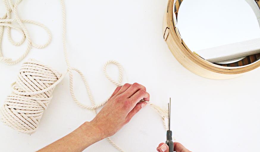 Tuto fabriquez un miroir tendance avec un panier chinois for Decouper un miroir