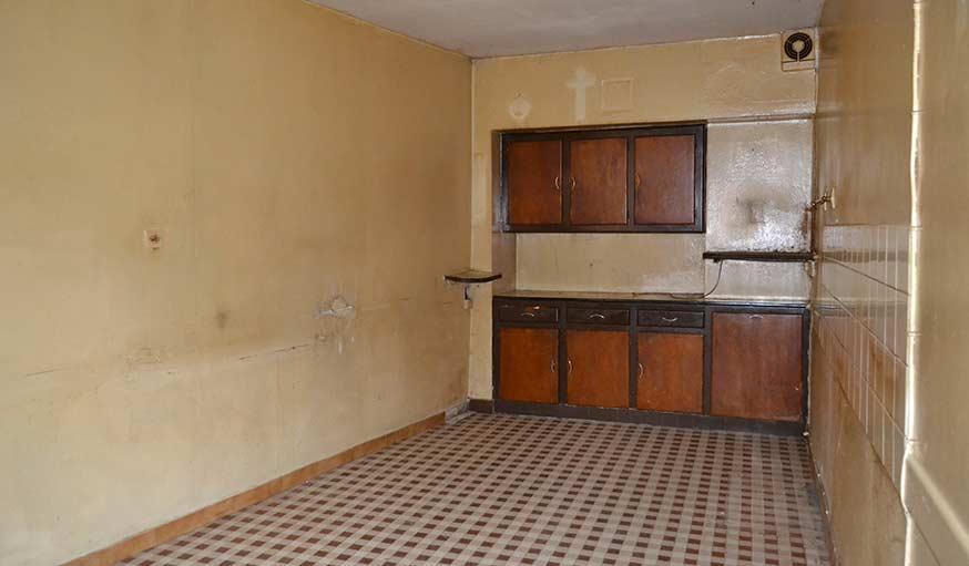 L'ancienne cuisine avant qu'elle ne devienne une salle de bains.